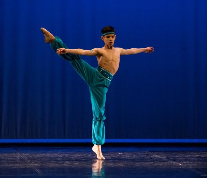 Jovem português vence concurso mundial de dança!