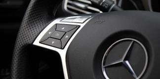 A Mercedes está à procura de programadores